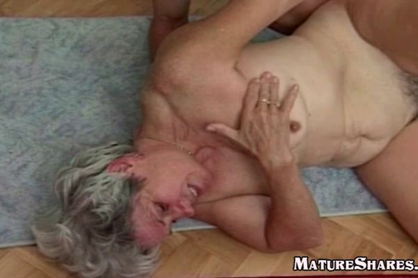 Young Guy Fucks Fat old granny snatch
