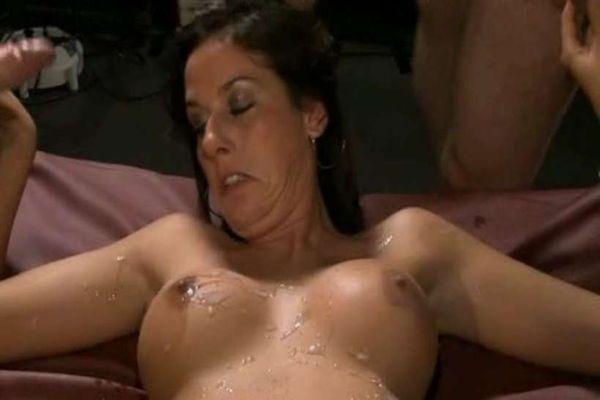 kuuma Busty lesbot seksiä