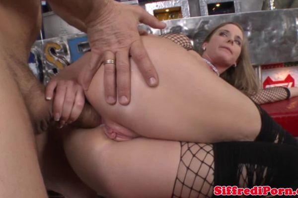 Pornstar hunk blows in the medical room