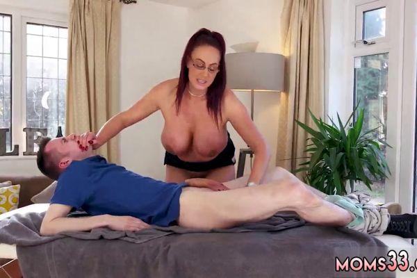 Giant tit Porn Videos