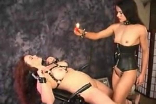 blondinki-video-lesbi-sado-mazo-kunilingus-s-zazhimom-vozraste