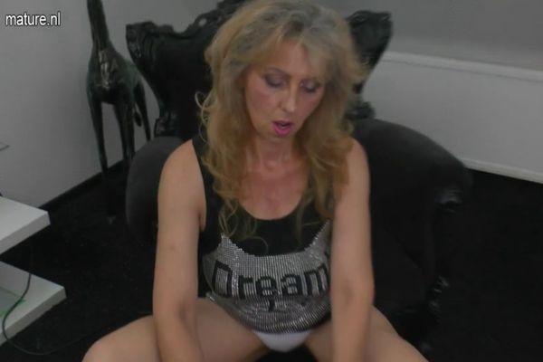 Mother Masturbation Porn - Mature mother masturbating watching xHamster